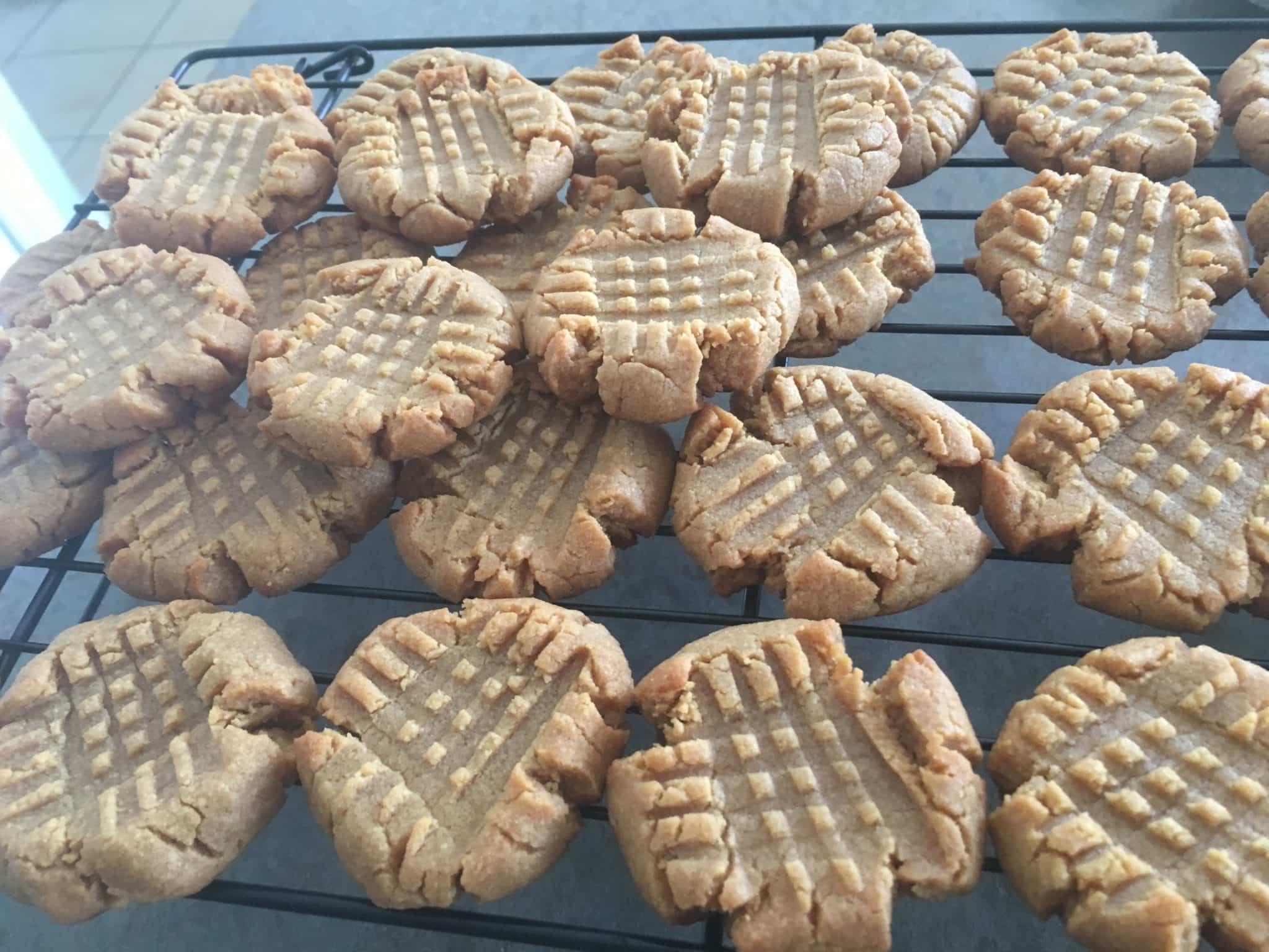 4 Ingredient Peanut Butter Cookie Recipe graphic