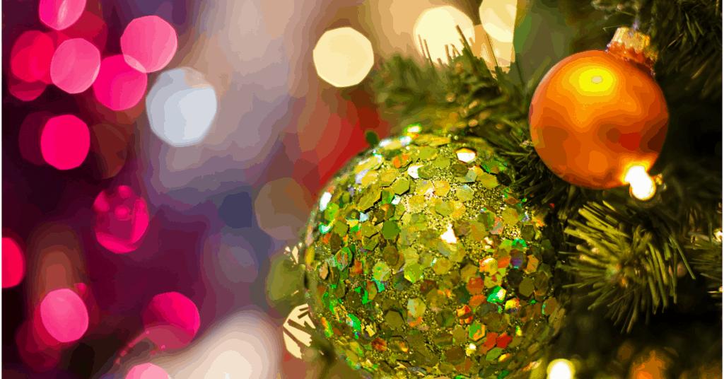 Guaranteed Ways to Save Money This Holiday Season